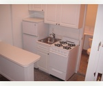 Renovated 2 bedroom in Upper East Side with laundry in the buidling 