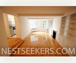 Greenwich Village - 5th Ave Luxury // Sprawling 2 Bedroom // Sunken Livingroom and Fireplace // Doorman