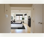 Sleek and Sophisticated 3 Beds PH, Prime Mid Town Location