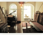 UPPER EAST SIDE; EXQUISITE 4 BEDROOM / 4 BATHROOM TOWNHOUSE W/ PRIVATE GARDEN - CHARMING W/ BEAUTIFUL ORIGINAL DETAIL