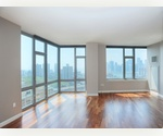 Modern, Spacious 2 Bedroom Waterfront Unit w/ Private Balcony, High End Finishes, & Panoramic Manhattan Views!! ____ Doorman, Onsite Parking, Gym ** Close to Ferry, Subway **